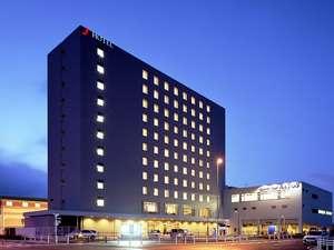 ホテル全景夜景