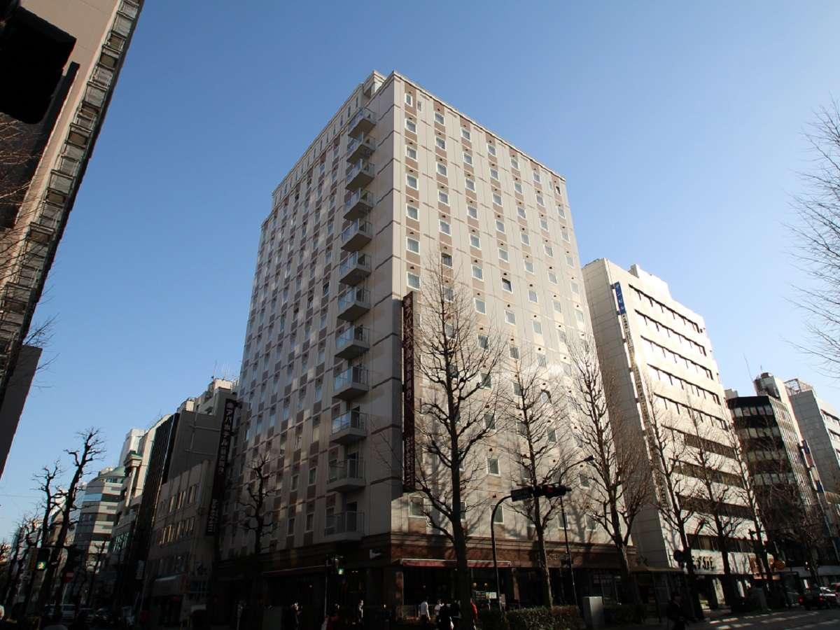 JR「関内駅」北口より徒歩3分、地下鉄「関内駅」3番出口より徒歩1分の好立地。