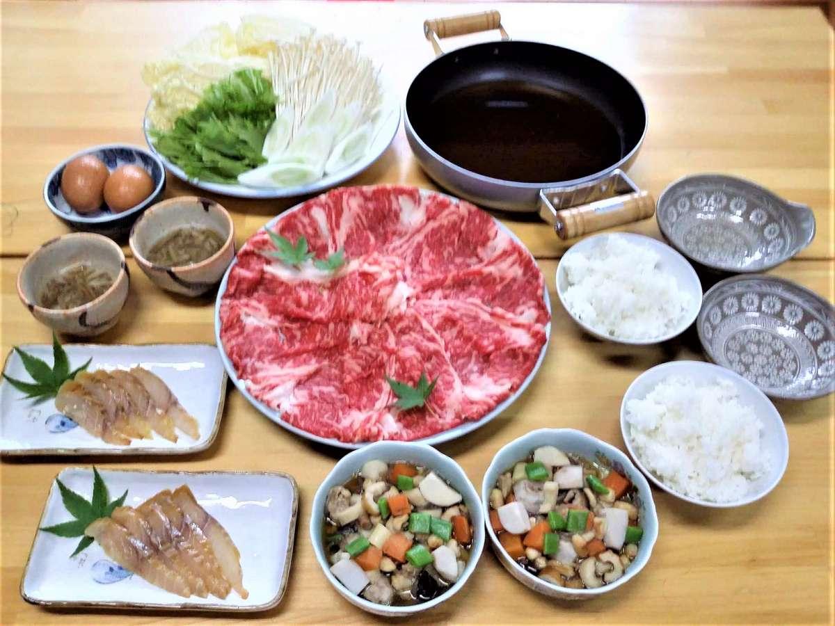 国産牛200gのすき焼き・会津郷土料理・じゅんさい・手造り燻製