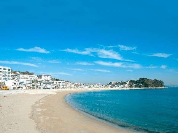 ビーチへは徒歩8分で♪800mのビーチはファミリーにも大人気!近くの磯では釣や磯遊びも楽しめる!