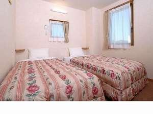 部屋の雰囲気、ベッドなどにもこだわりある部屋。画像は禁煙階ツインルーム