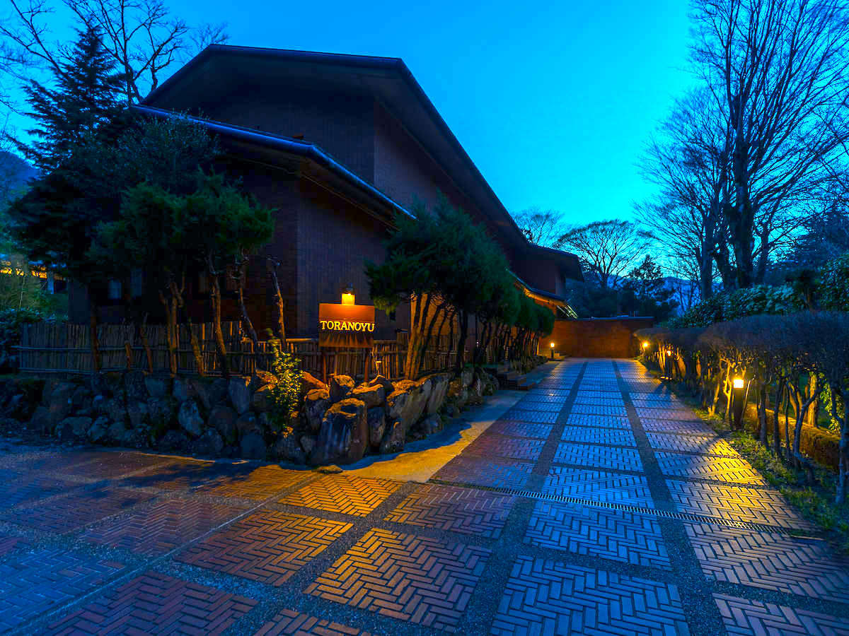 夜になるとより静けさが訪れ、心の休まる贅沢な時間。非日常のプライベートなひと時を。