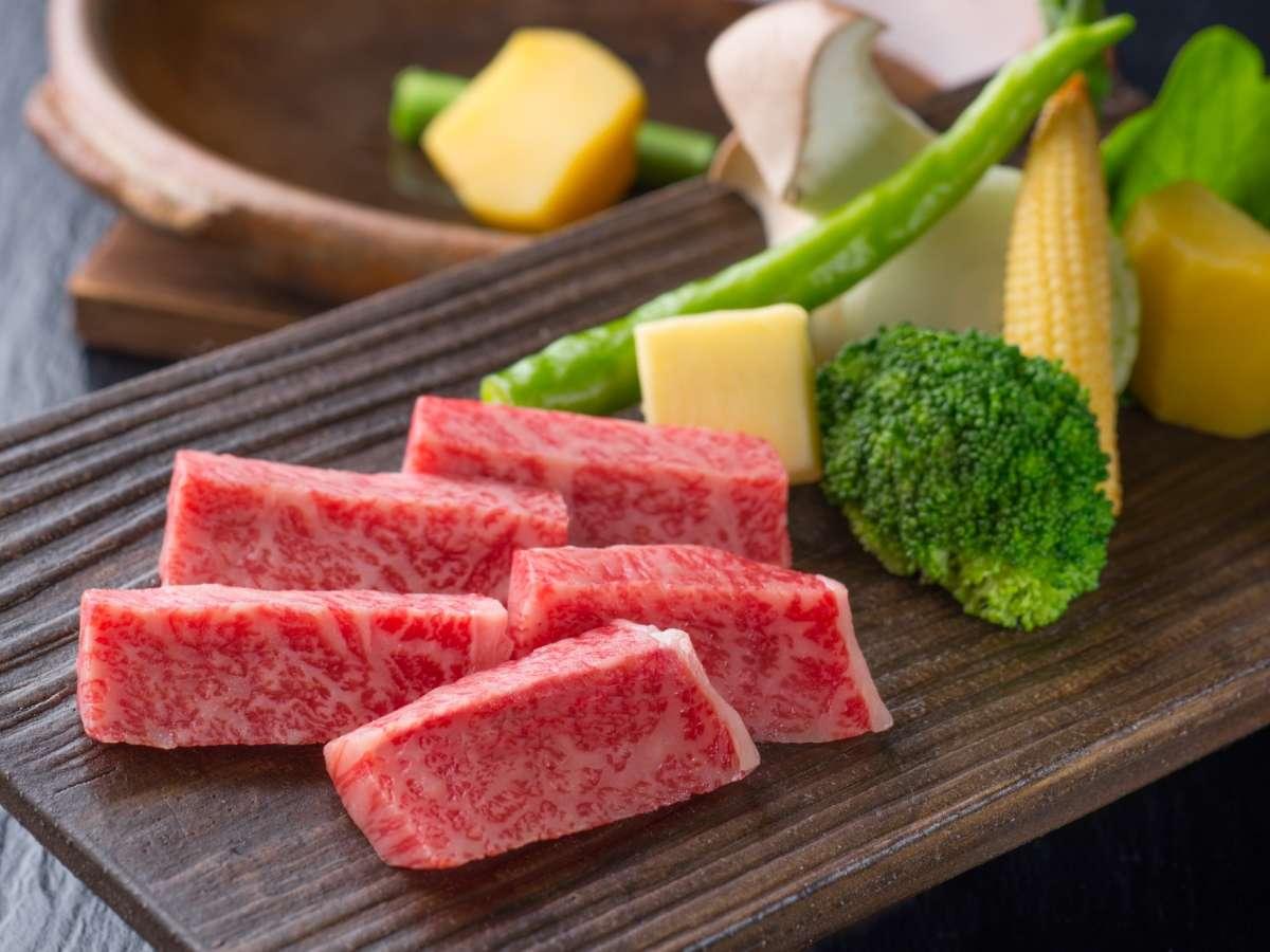 ☆【飛騨牛三昧☆特上・陶板焼き】シンプルイズベスト!お肉本来の味を堪能♪
