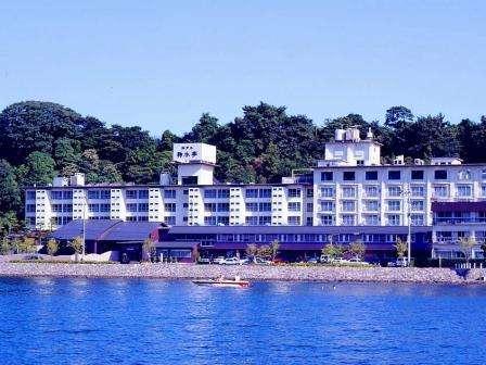 浜名湖が目の前に広がる湖畔の宿。ホテル鞠水亭