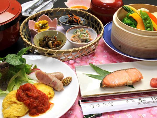 朝食一例◆卵料理に加え和食の定番、塩焼きや小鉢など(メニューは日により変更になります)