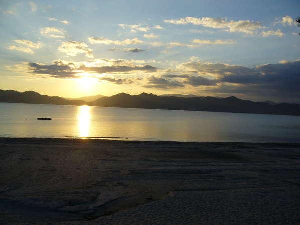 ある日の田沢湖 写真提供:じゃらんnet
