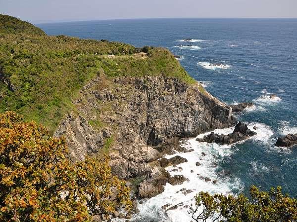 【天狗鼻】太平洋に突き出した眺望の良い場所です。この場所から見る灯台もオススメ!