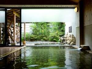 【男湯■内風呂】自家源泉の鉄鉱泉と薬草露天風呂はどちらも身体の芯から温まります!