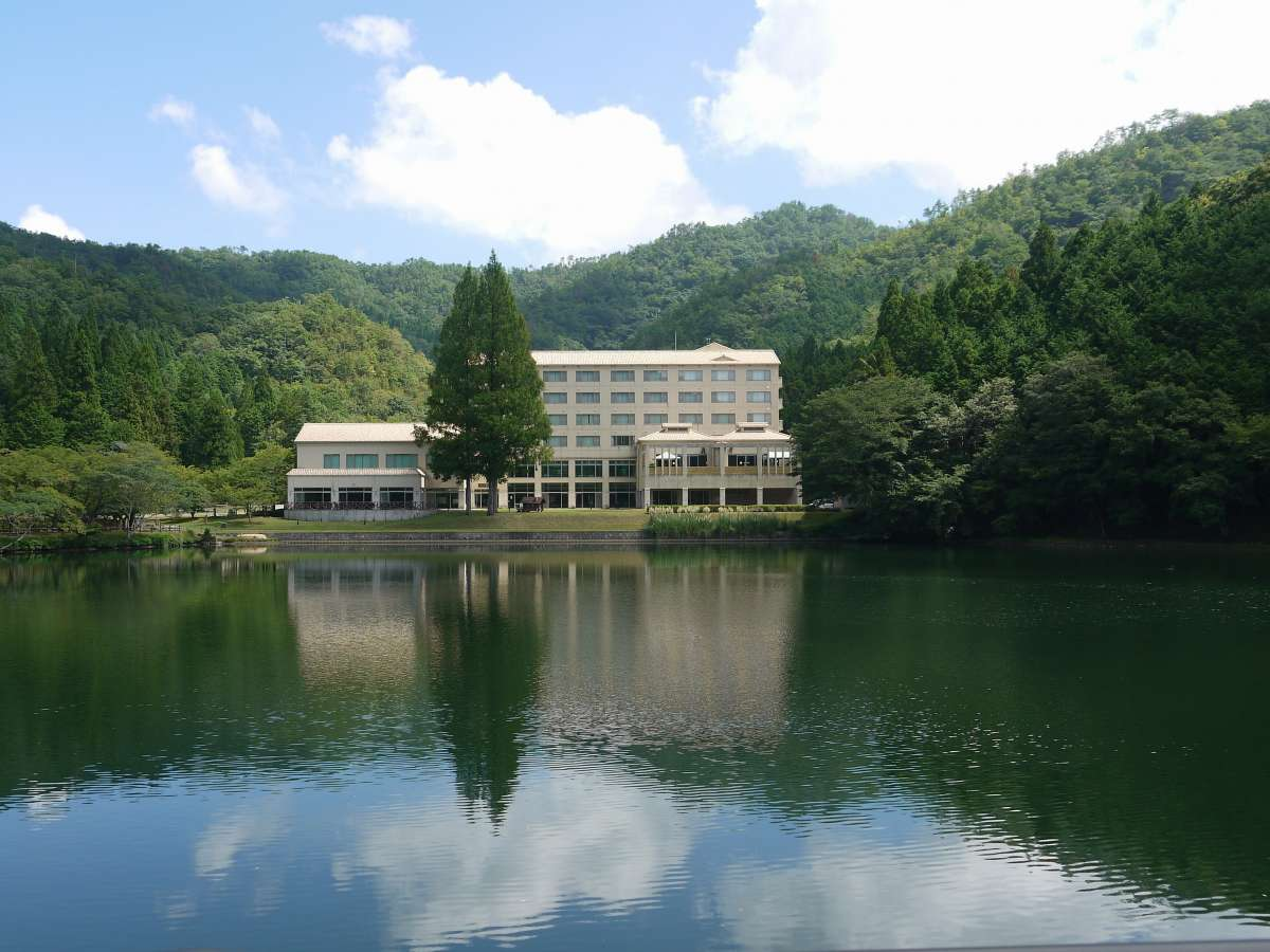 矢代湖畔のレイクプラザ