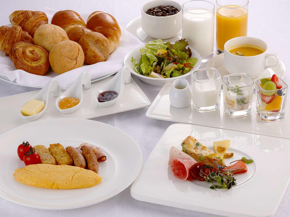 ホテル自慢の朝食セットでお待ちしております(洋食セット)当日の朝、和食か洋食をお選びいただけます。