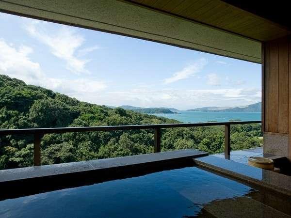お部屋の露天風呂から伊勢志摩の景観を独り占め