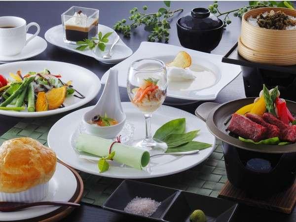 食通にも評判の創作料理「栂池デリシア」白馬山麓の四季を感じられるリゾート感溢れる創作料理。