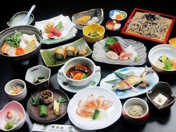 ☆贅沢な和食懐石18品★当館の最上級お料理コース(夕食は部屋食にてご用意しております)