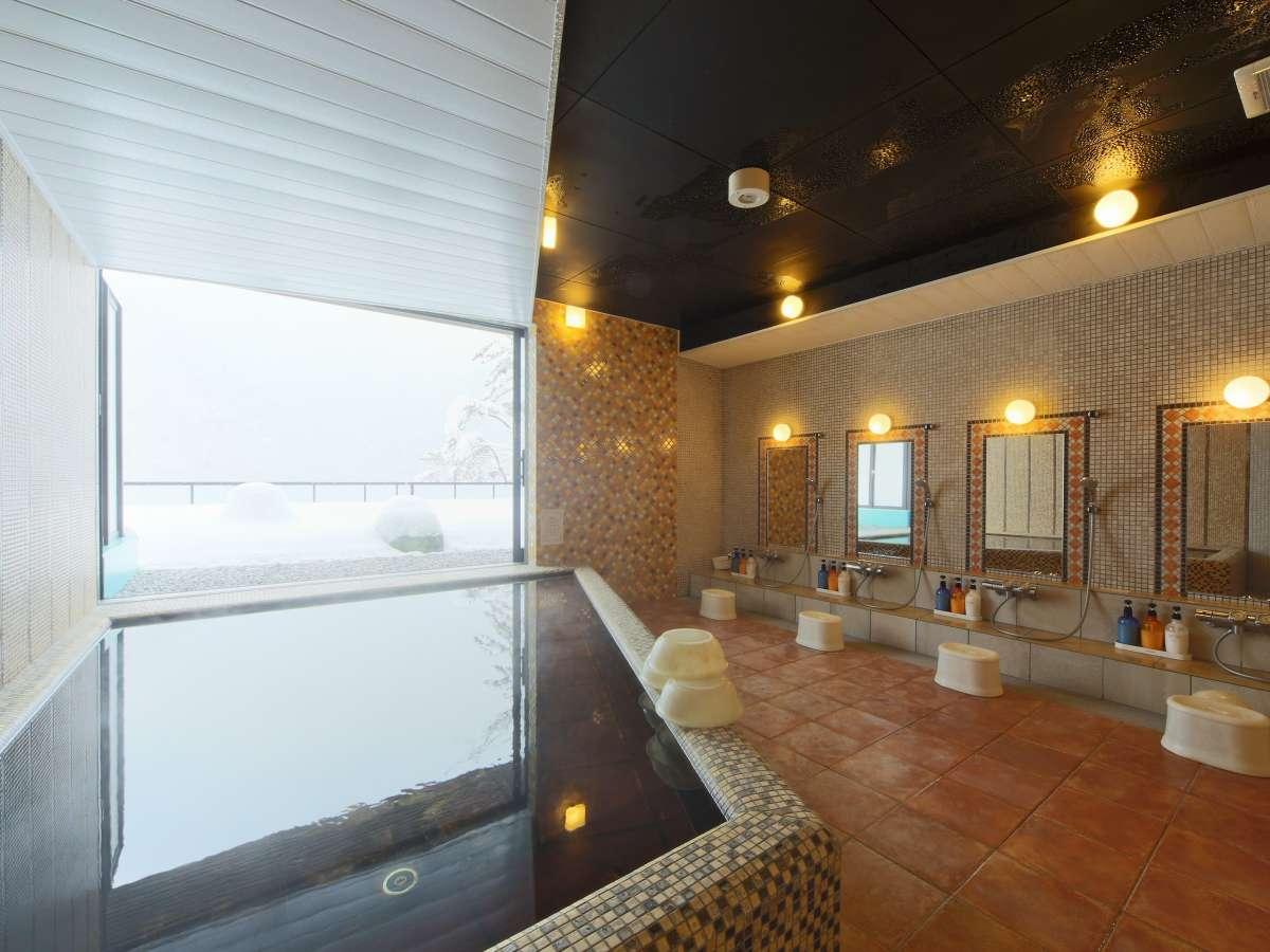 大山伽羅温泉の展望風呂(女性用)