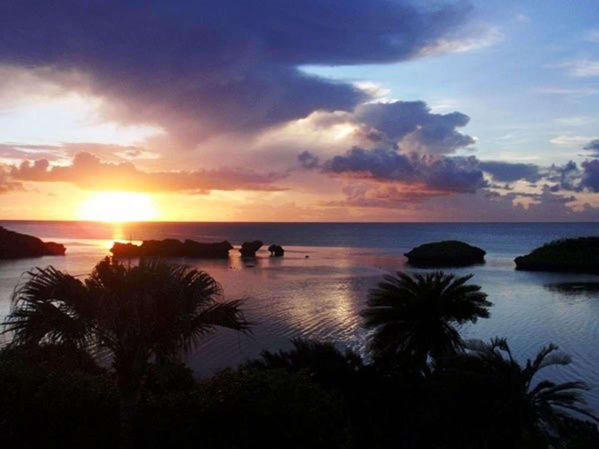 *[風景]星砂海岸に沈む美しい夕陽