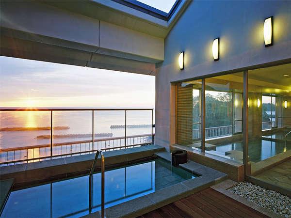 *最上階にあるパノラマ展望露天風呂:女湯。夕方の景色が特にオススメです。