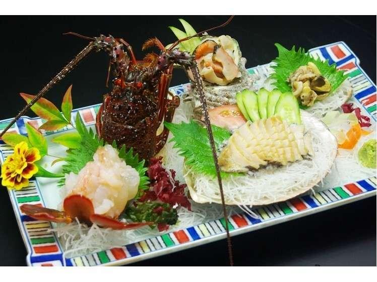 15プラン(伊勢海老・アワビ・サザエ付)アワビは刺身か踊焼きに選択できます