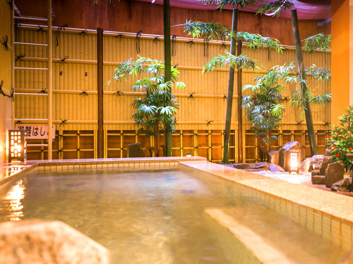 ◆露天風呂(男湯)◆和風なお風呂でリラックス♪