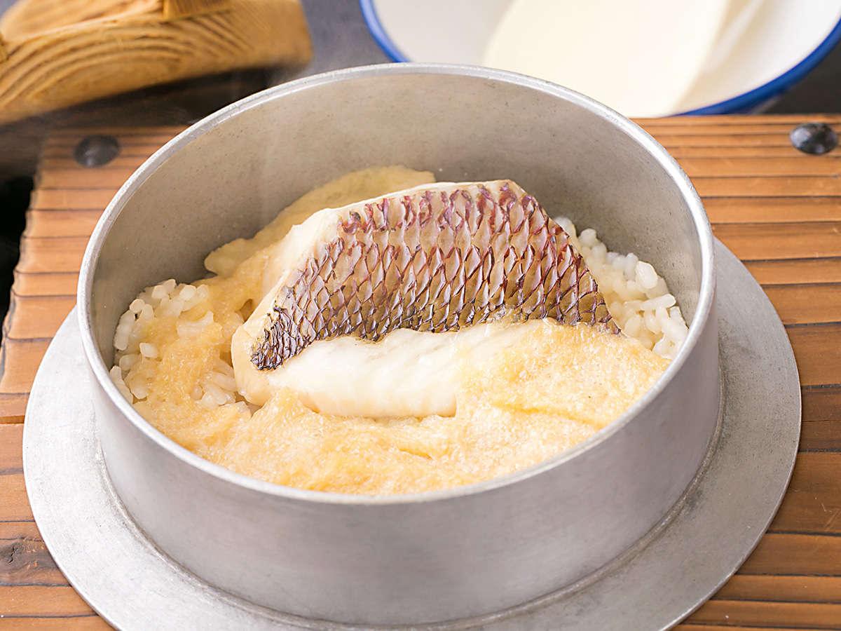 ◆鯛めし◆『鯛の旨み』が全てご飯に染み込み、後引く旨さ