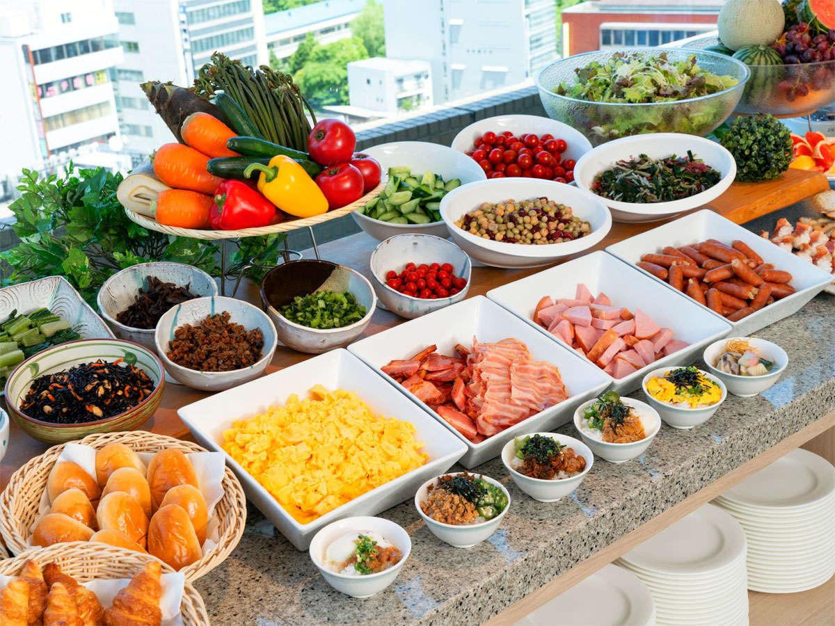 【朝食バイキング】和食、洋食など豊富なメニューを取り揃えております。