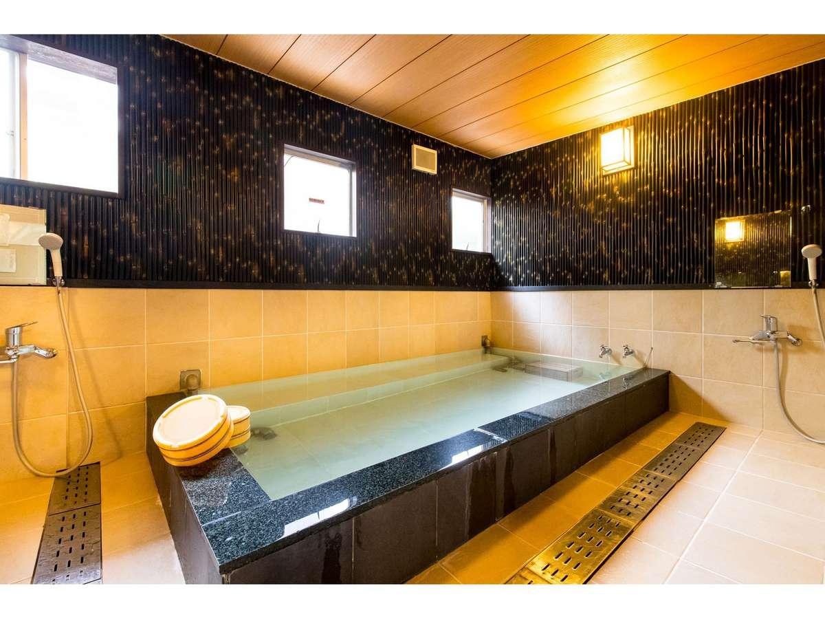 1階「天然鉱石温泉」 浴室1