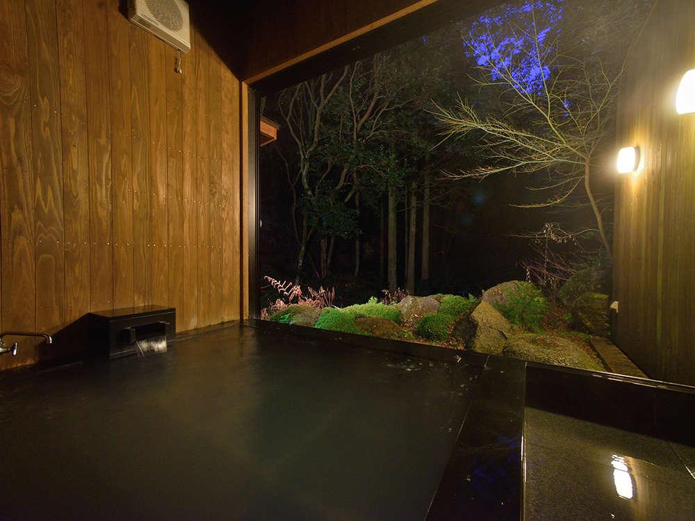 棚田百選に選ばれる米ぬかを使用した半露天風呂。目の前には絶景が広がります。