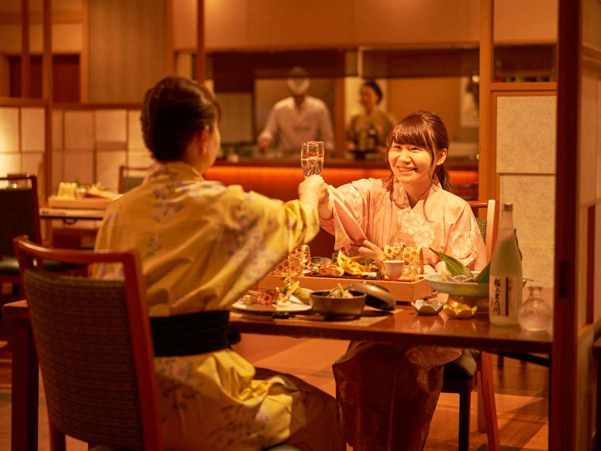 ダイニングレストランでの夕食イメージ