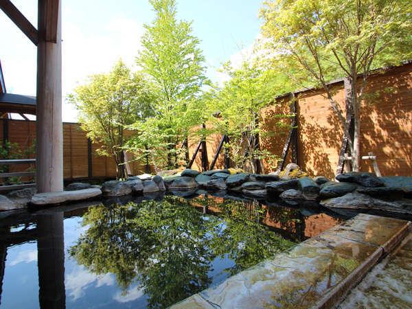 高原の空気を満喫できる露天風呂