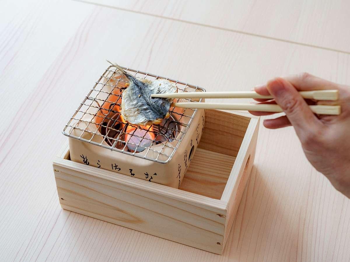 七輪で焼いていただく天草産の魚の干物