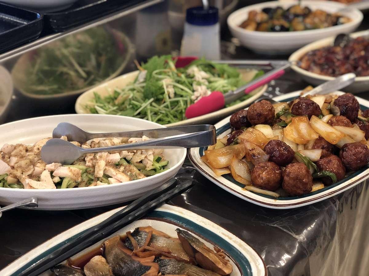 日替わりの手作り惣菜に中華も加わりました