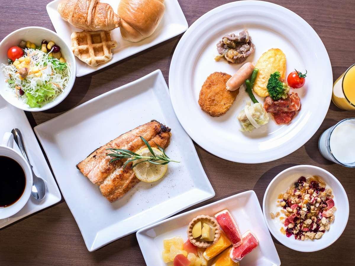 大事な朝の食卓は季節の彩ゆたかに季節の50種類和洋ネッツビュッフェ(一例)