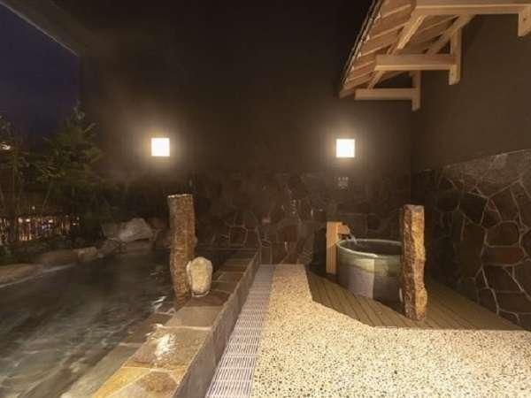 ■男性露天風呂 41~43℃