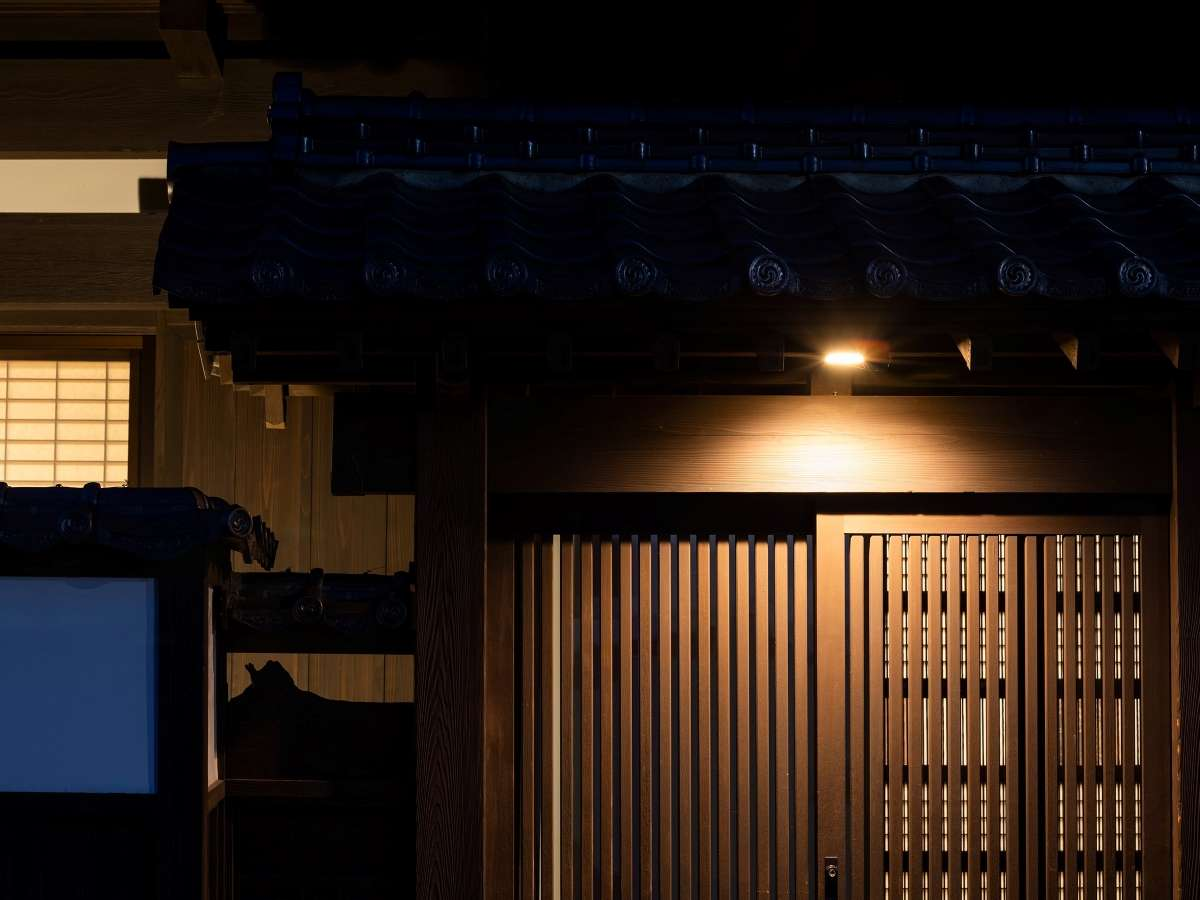夜の磯山邸①