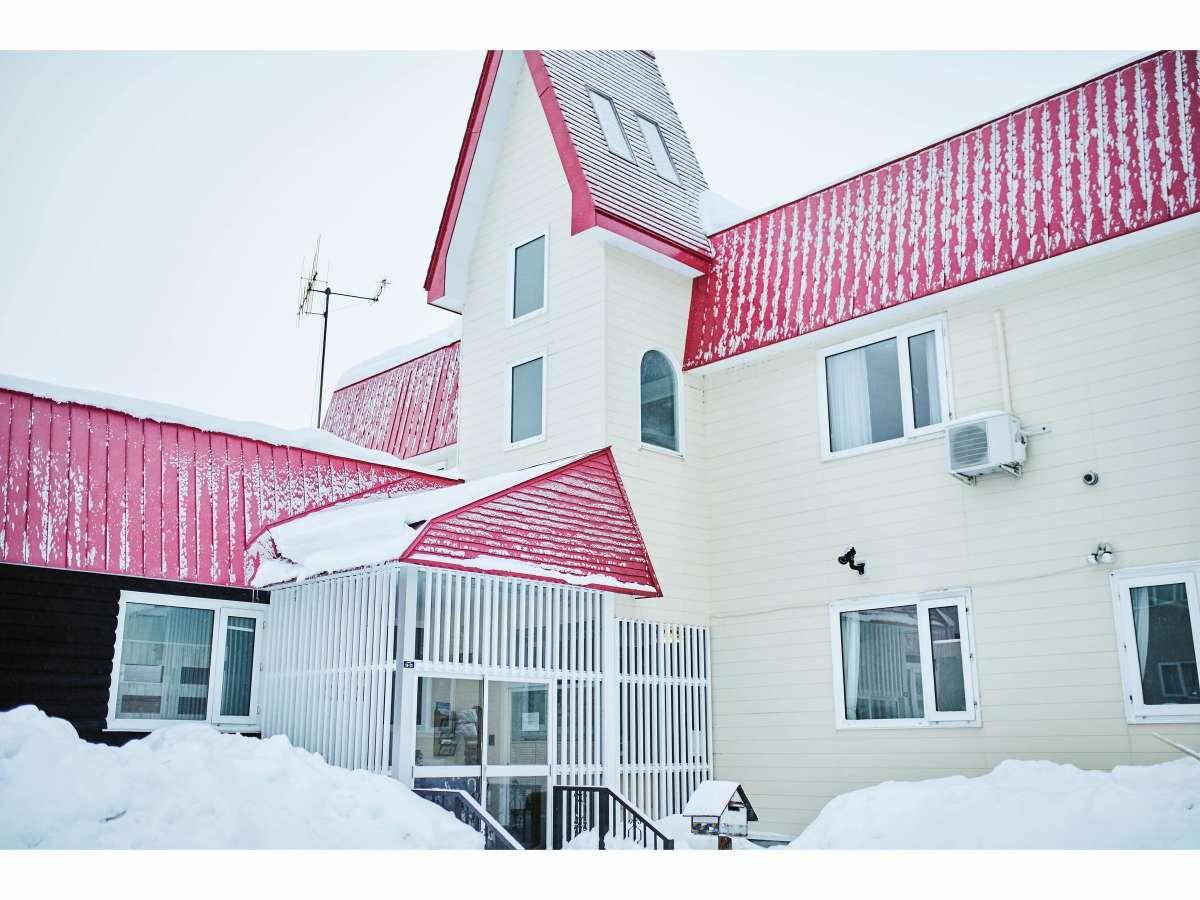 冬はホテルも雪化粧!