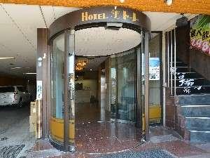 ホテル出入り口