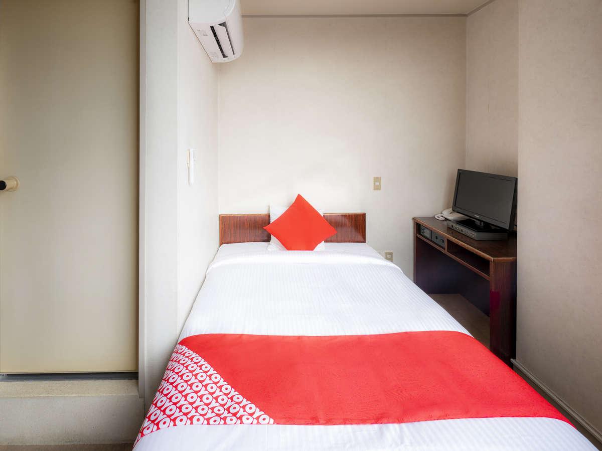 お部屋は、とても明るくスッキリした内装で機能的なインテリアが豊富です。