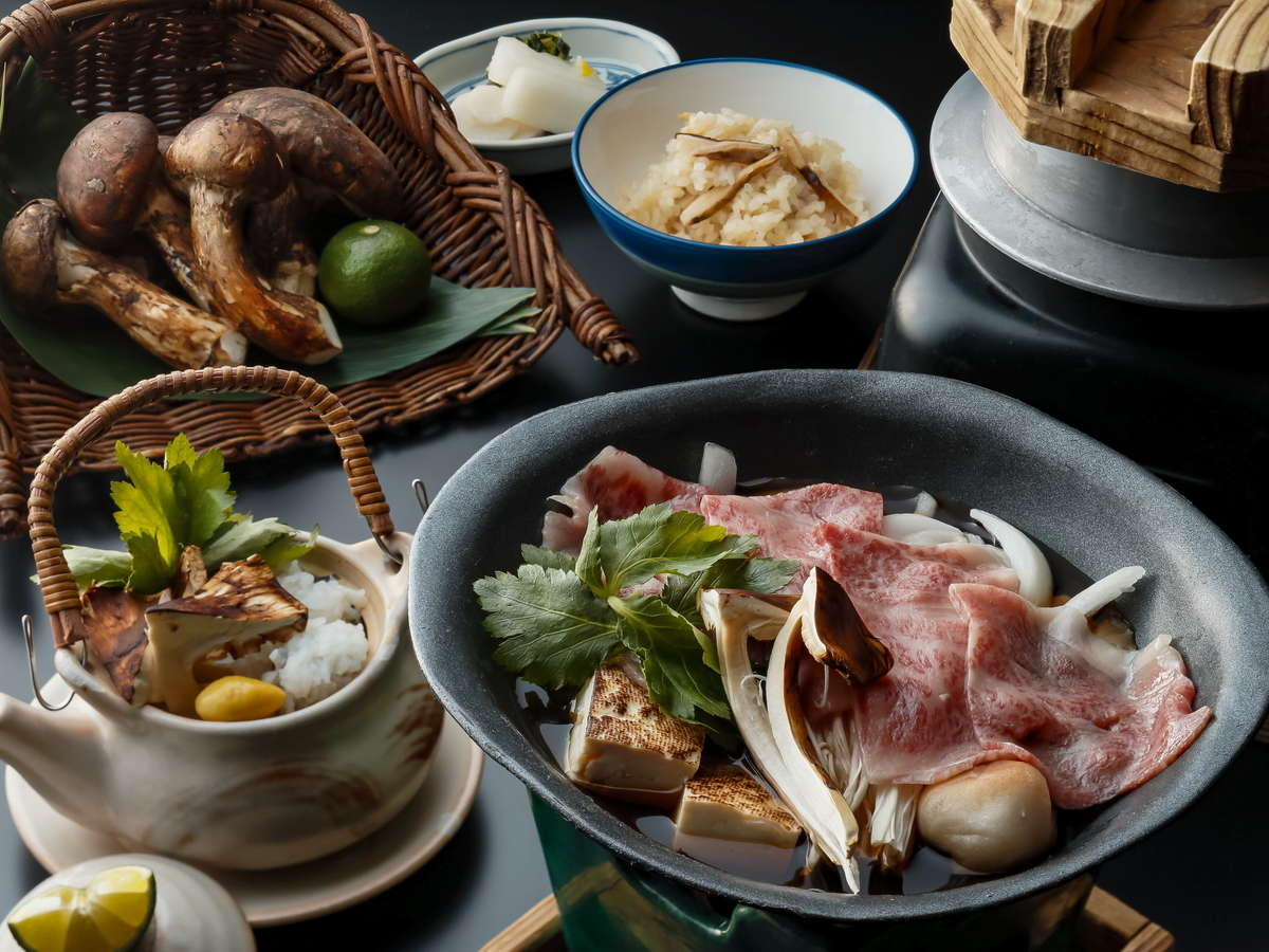 日本料理おおみ 松茸と近江牛のすき焼き イメージ