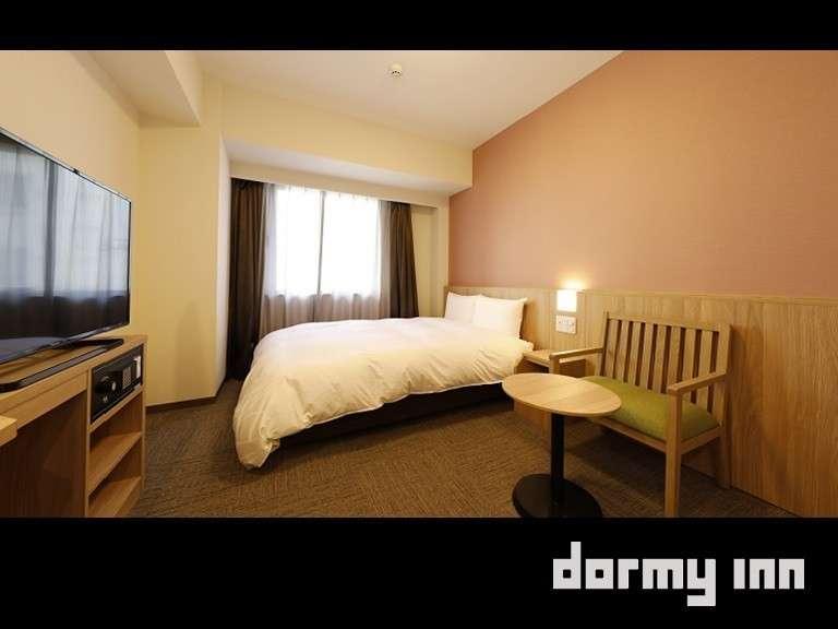 ■ダブル(17㎡)定員1~2名 シモンズ社製ベッド(140cm×195cm)1台
