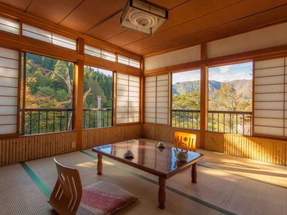 Japanese style hotel shiroyamakan ryokans rooms rates for Style hotel