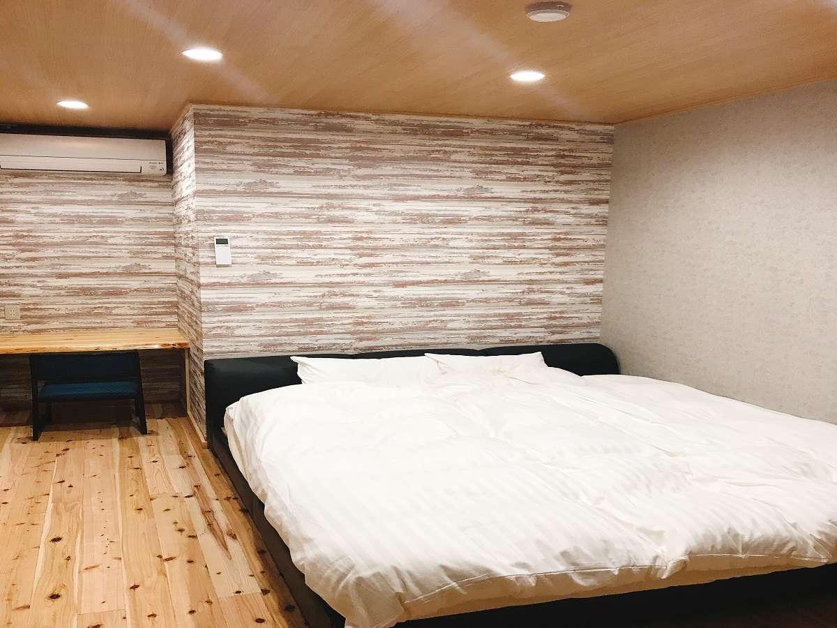 洋室キングサイズベッド