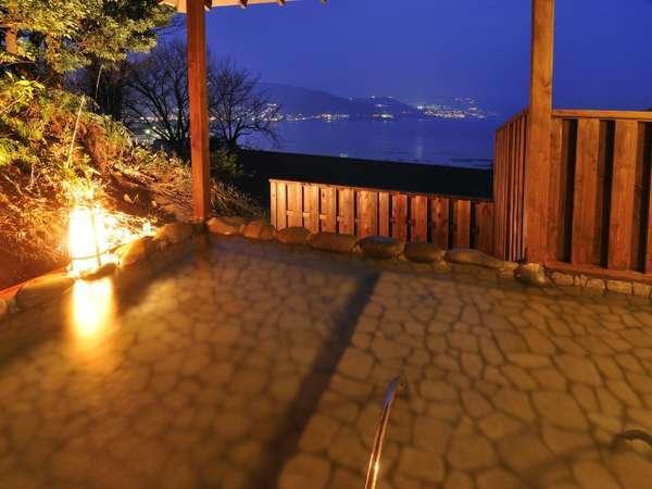 海音の森の貸切風呂からは夜には熱海の夜景もご覧いただけます!