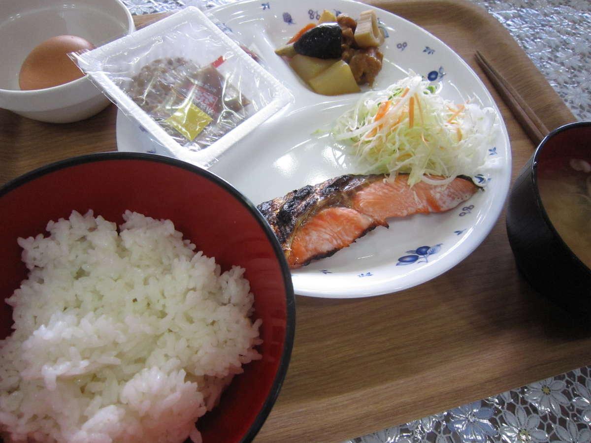 朝食【和食メニュー】の一例
