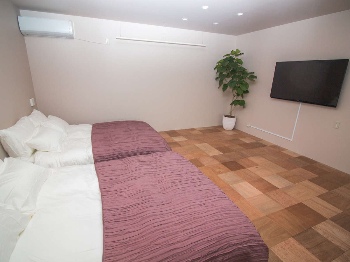 2F/Room C 寝室・TV