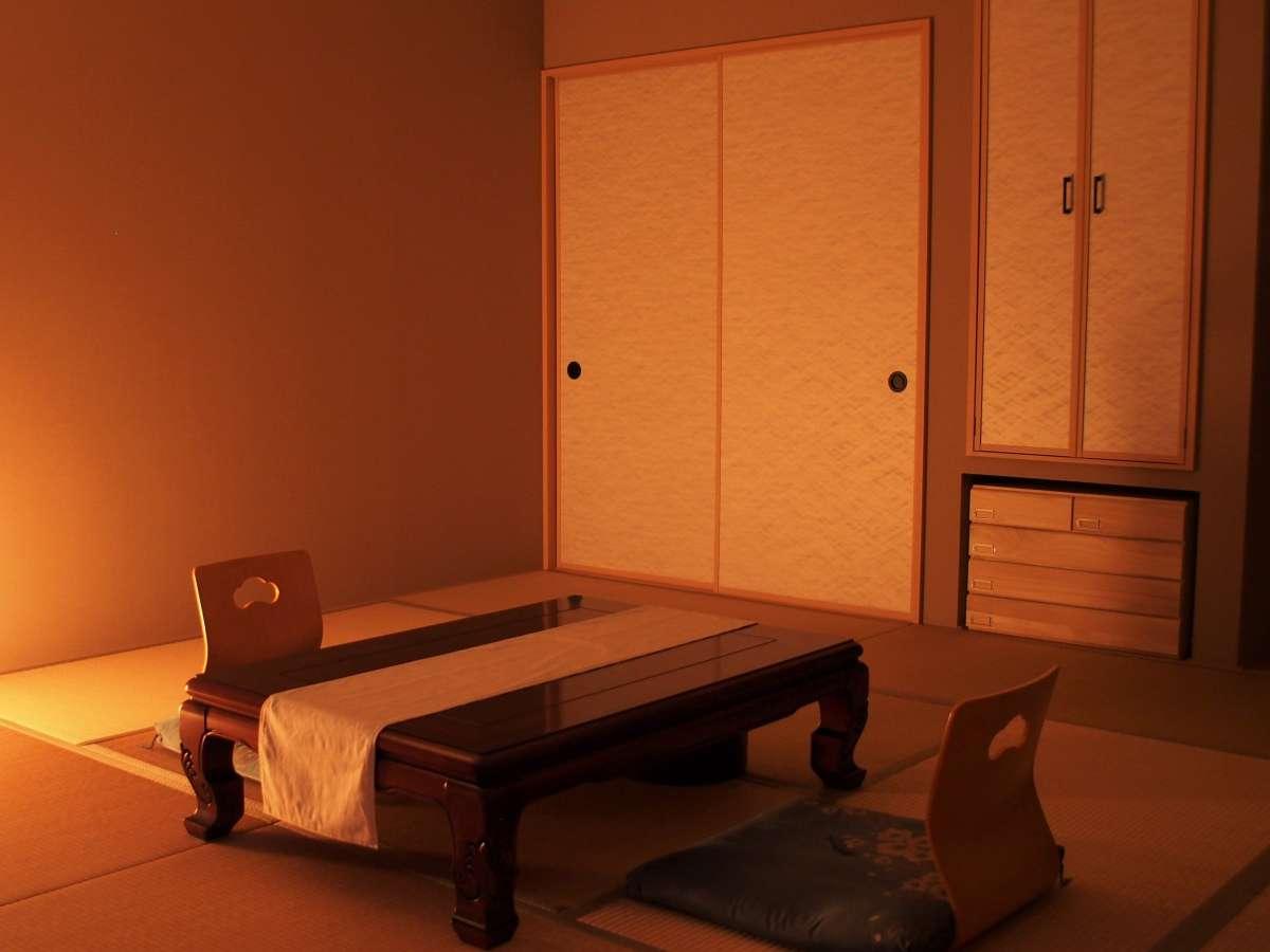 和室は広々12.5畳。ゆったりお寛ぎ下さい