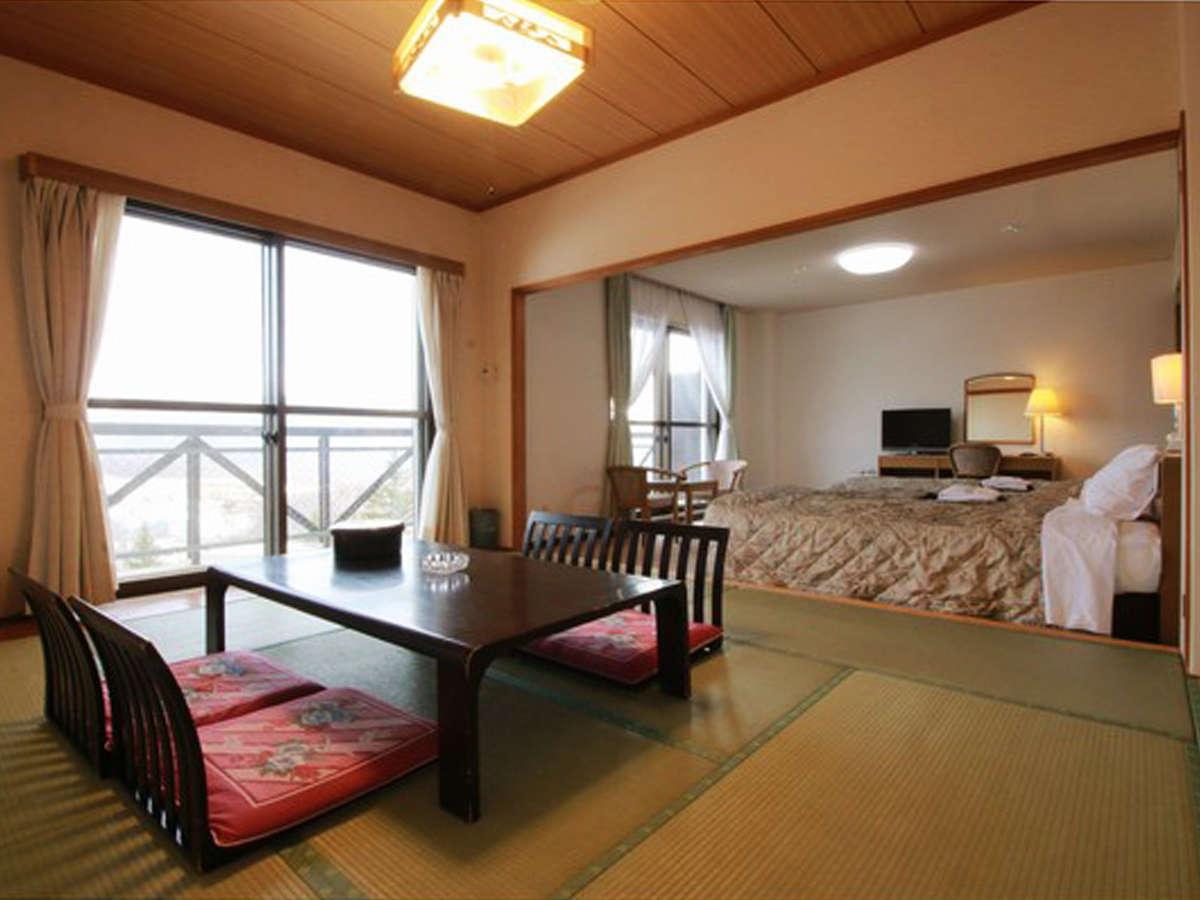 ■【客室一例】ベッドルームと畳のお部屋で寛げる和洋室タイプ。