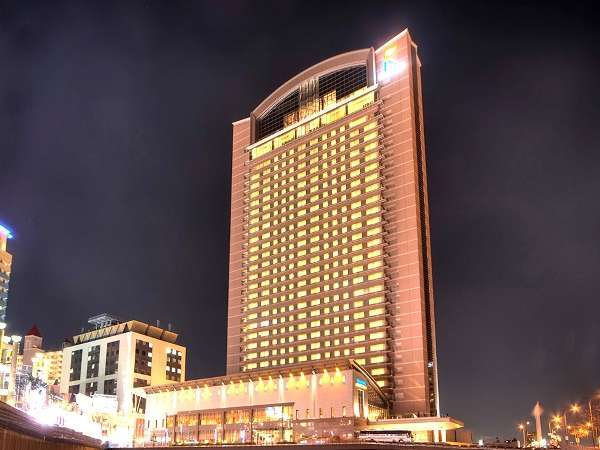 ホテル京阪 ユニバーサル・タワー 外観