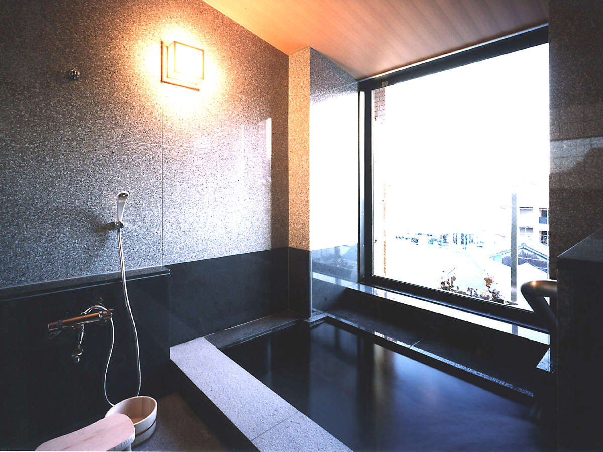 温泉付き和洋室(内風呂)天然温泉の内湯しかも展望!