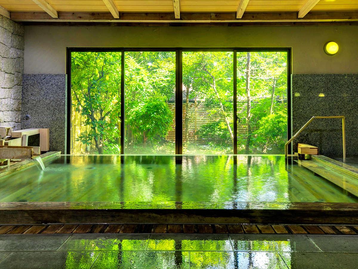 やわらかで優しい泉質の「湯盛温泉」は、ご家族みんなでお楽しみいただけます