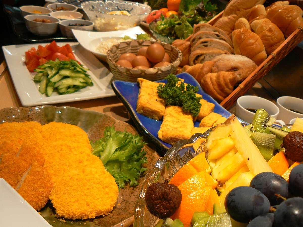 朝から健康40種類の朝食バイキング