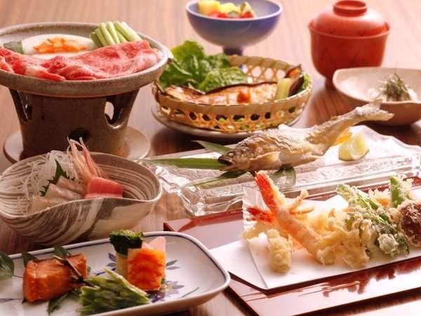 飛騨牛を中心とし、料理長のこだわりの食材を始め、四季折々の味覚を楽しめる会席料理プランです。